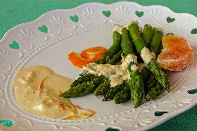 Asparagus with Creamy Mustard Sauce